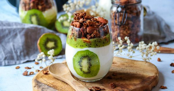 Verrines healthy kiwi granola chocolat
